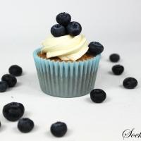 Saftiga vaniljcupcakes med mjuk vanilj- och marshmallowfrosting