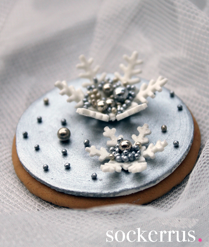 cookie with snowflake by Sockerrus - The Sweet Blog