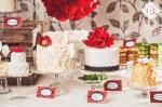 Fairytale dessert table cakes pom poms fotograf satu made by sockerrus