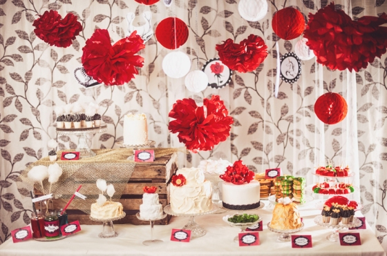 Fairytale party dessert table sagor Fotograf Satu made by sockerrus.se